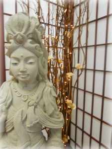 Quan Yen statue and welcoming entrance to Nourish Skin Studio